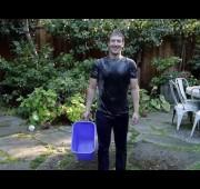 Mark Zuckerberg entra al #IceBucketChallenge.